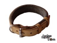 Leather dog collar for agitation work padded with thick felt